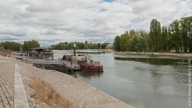 Loira Orleans viaje Francia turismo coche que ver