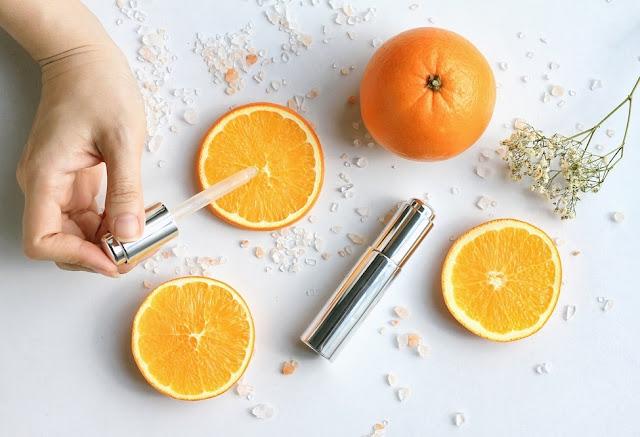 Lớp biểu bì ngoài da cũng tập trung 1 lượng lớn vitamin C
