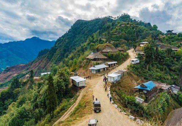 भारत का सबसे अनोखा गांव, इसका मुखिया खाता भारत में और सोता म्यांमार में...