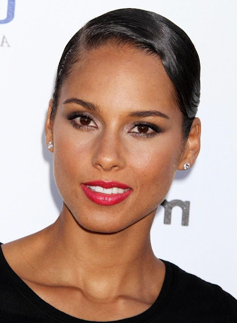 Alicia Keys Sweet and Simple Hairstyle