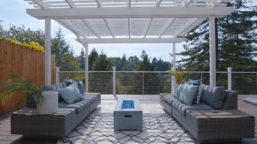 26 Interior Design Photos vs. Tour 255 Capricorn Ave, Oakland, CA