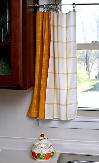 How to make curtains from Ikea kitchen towels.