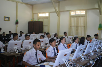 Laboratorium Komputer SMP Algo Nyarumkop