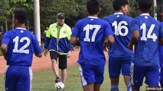Persib Lepas Puja Abdillah dan Muchlis Hadi ke Klub Liga 2