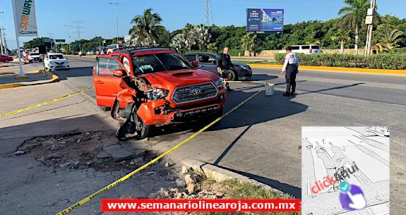 Fatal accidente en el 'Bulevar Playa del Carmen' deja un motociclista muerto