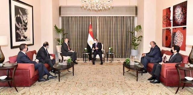 السيسى يلتقي رئيس وزراء المملكة الأردنية في إطار الزيارة الرسمية للعاصمة عمان