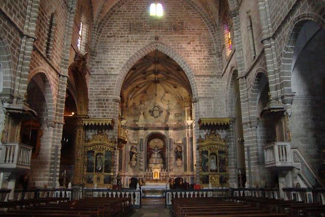 Interior Igreja de São Francisco em Évora