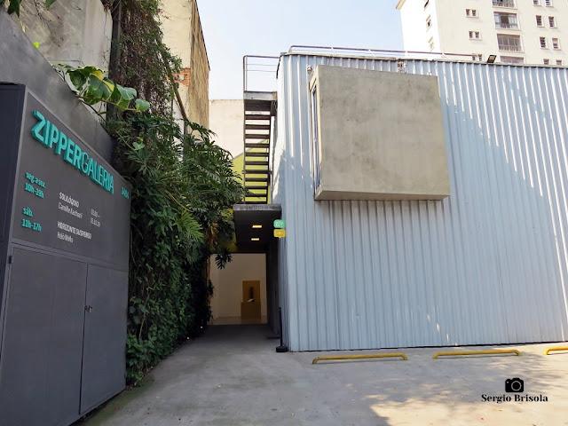 Vista da entrada e fachada da Zipper Galeria - Jardim América - São Paulo