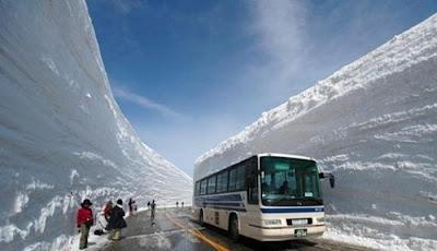 http://cnmbvc.blogspot.com/2017/01/inilah-tembok-salju-yang-mengapit-jalan.html