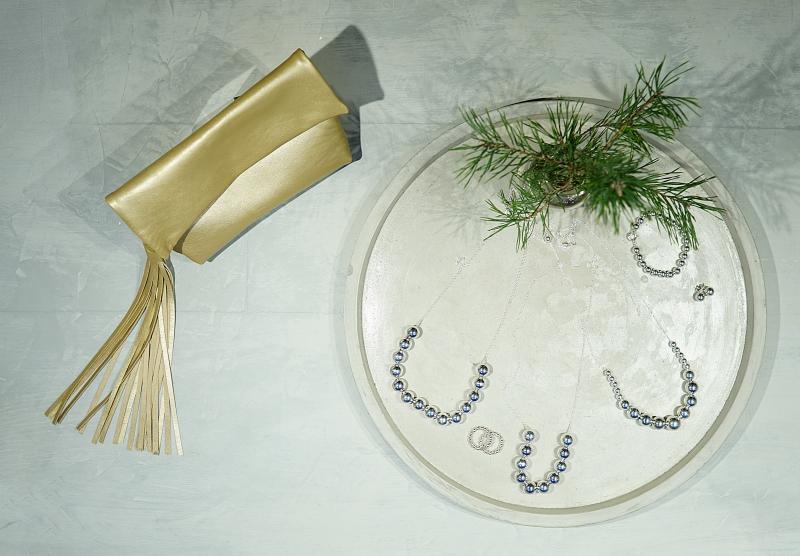 hopeakorut ja nahkatuotteet