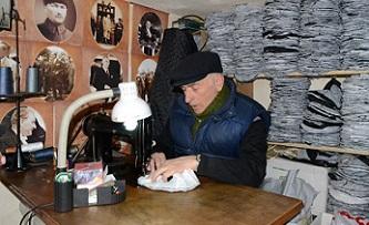 Aksaray'ın tek şapkacısı Bulgaristan göçmeni Mustafa Mollaoğlu