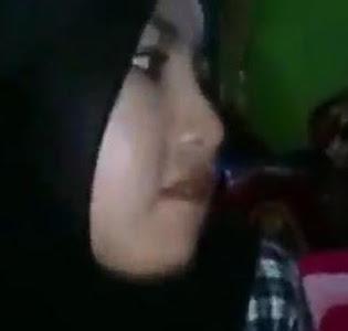 Jilbab Hitam Batik Coliin Tetangga