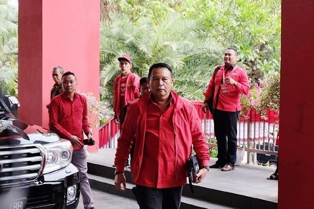 TB Hasanuddin Tegaskan 'Mosi Tidak Percaya' Tak akan Mampu Lengserkan Jokowi
