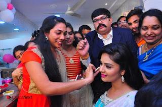 Sreemukhi Launches Manvis Saloon  0072.jpg