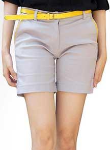Celana short  atau hot pant yaitu celana pendek atau yang panjangnya sampai pertengahan paha