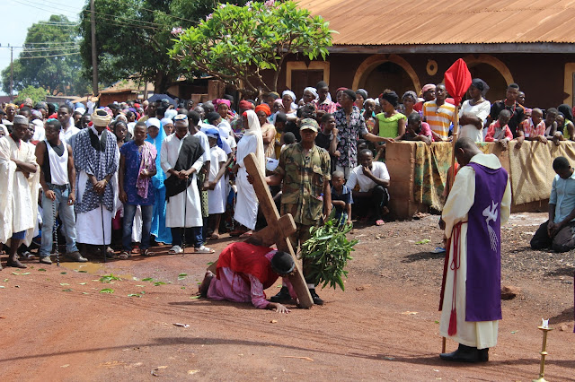 Jesus Falls The Second Time ____Photo/Video Speak: Saint Anthony Parish Otukpo Passion Of Christ (Passion Play) 2017___