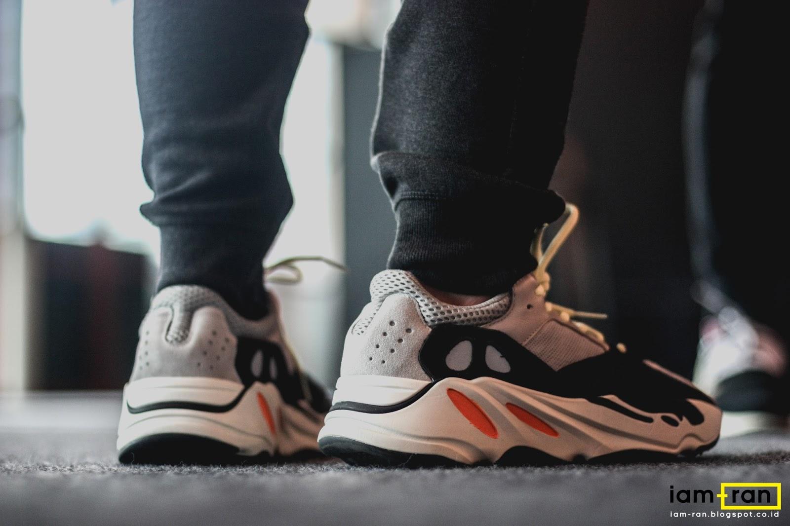 31fa7614e6e Sneakers   Adidas Yeezy Boost 700