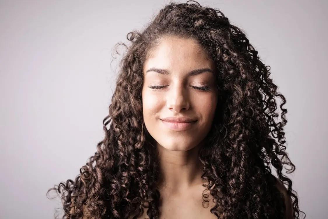 طريقة عمل الشعر المجعد