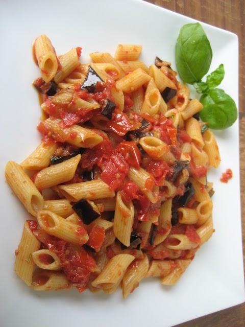Netal il meglio dall 39 italia pasta con melanzane e patate for Ricette con la pasta