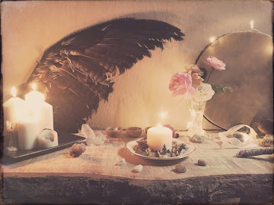 Altar- 8 guides for exquisite self care, Galia Alena