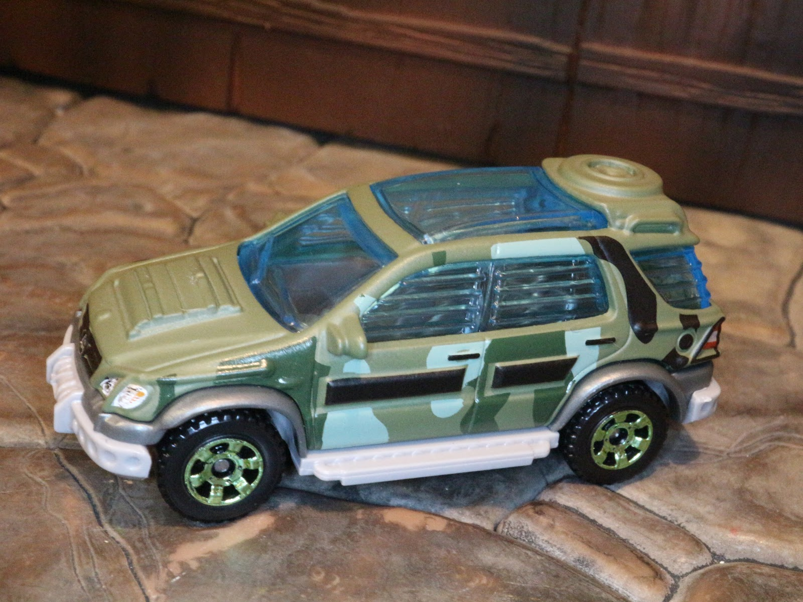Toy Review 97 Mercedes Benz Ml320 From Matchbox Juric World Legacy Collection By Mattel