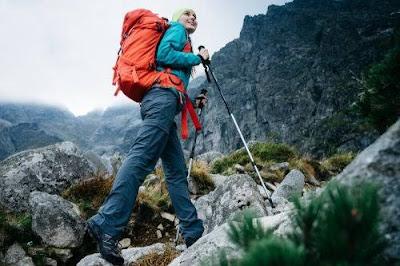 5-Cara-Mudah-Memilih-Sepatu-Gunung-untuk-Perempuan