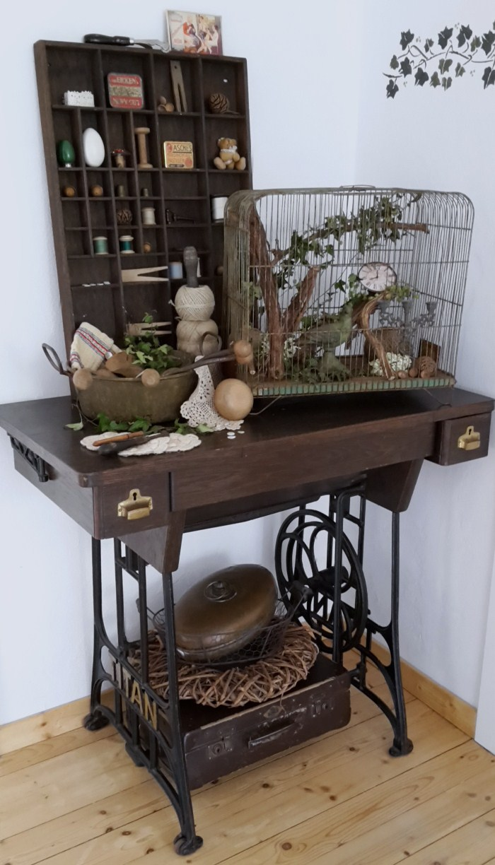 shabby house and garden alter n hmaschinentisch neu gestaltet. Black Bedroom Furniture Sets. Home Design Ideas