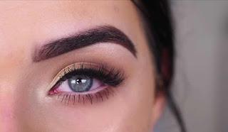 تطبيق مكياج عيون