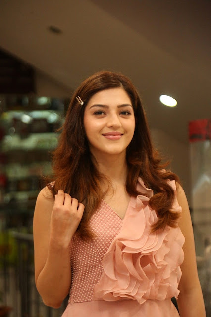 Mehreen Pirzada  IMAGES, GIF, ANIMATED GIF, WALLPAPER, STICKER FOR WHATSAPP & FACEBOOK