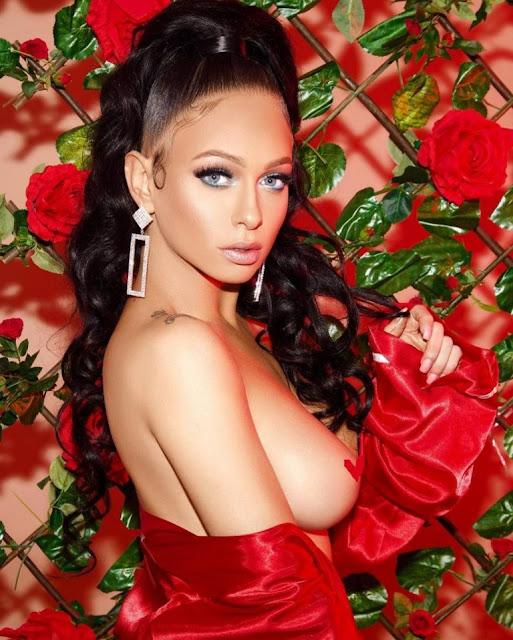 Mariah Lynn braless