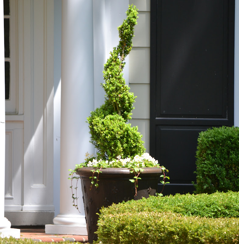 Season The Day: Summer Planter And Front Porch Ideas