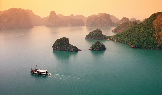 Fall In Love With Halong Bay 1