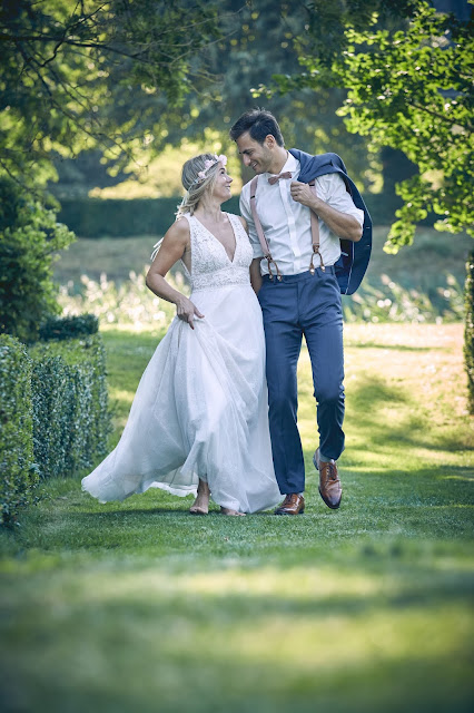 a walk in the park, Tattoo Braut, Bräutigam, Paarshooting, Gutshofhochzeit, Landhochzeit, estate wedding, Gut Dalwitz, heiraten in Deutschland, Wedding Styled Shooting, Hochzeitsfotograf Marc Gilsdorf, Hochzeitsplanung Uschi Glas, 4 weddings & events, Hochzeitslocation
