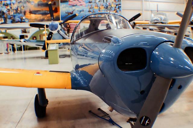Visitar o Palm Springs Air Museum com criança