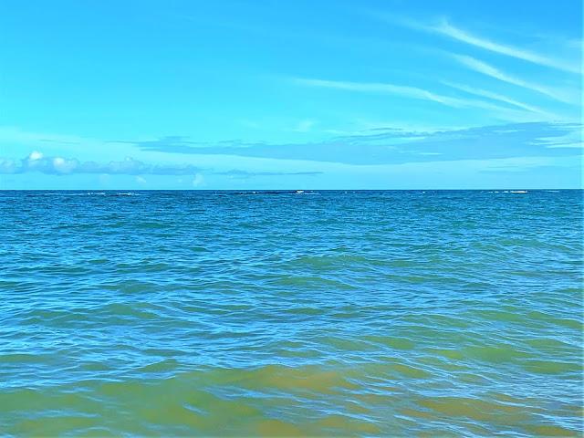 agua do mar azulada