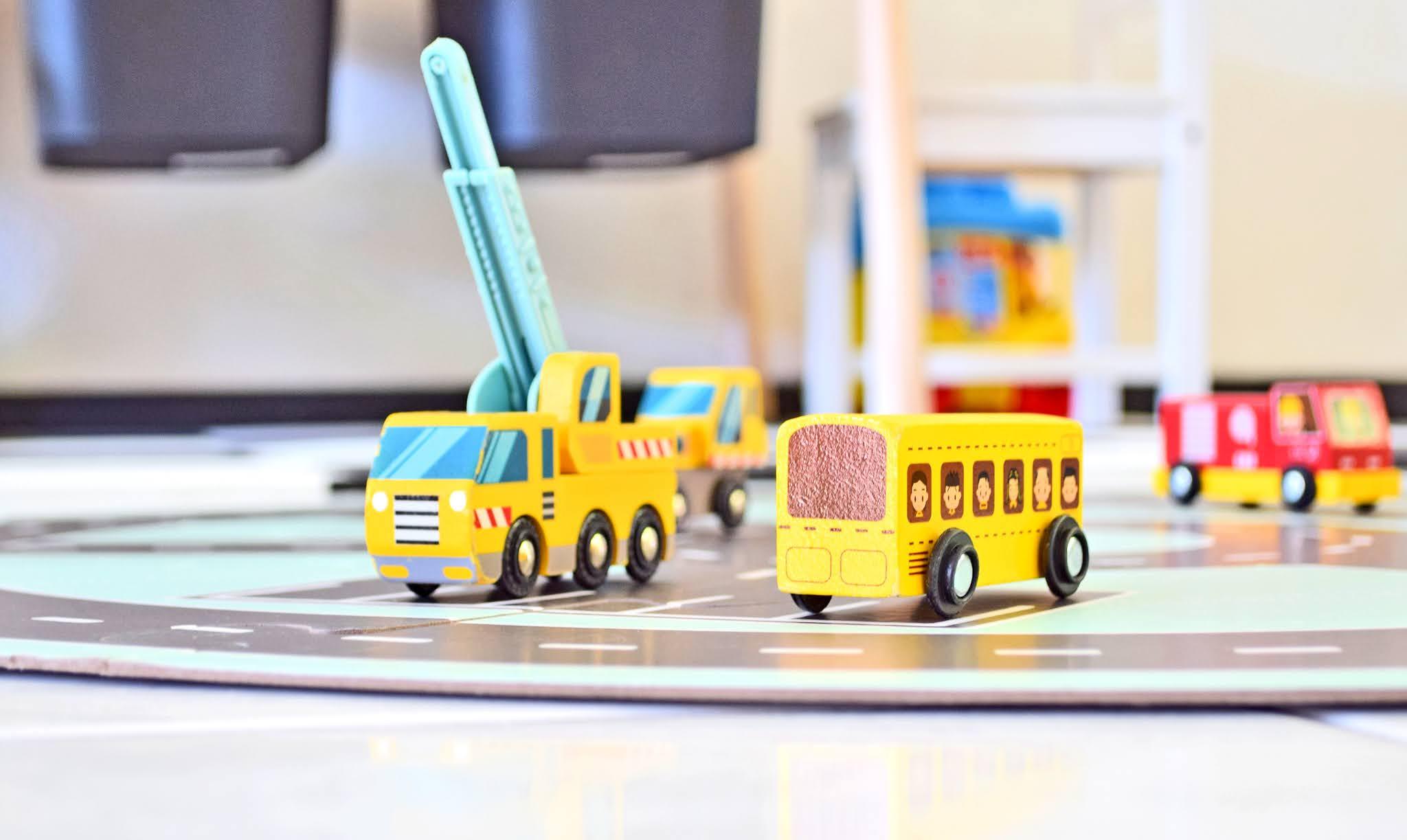 drewniany samochodzik dla dzieci