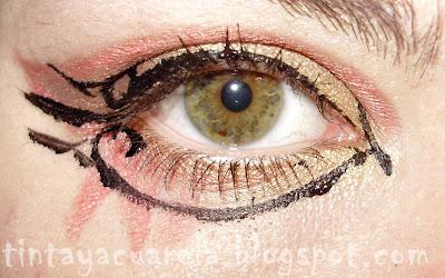 eyeliner negro