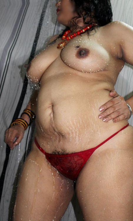 River Nude Aunty Bath Open