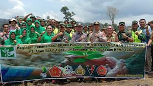 Danrem 042/Gapu Beserta Jajaran Tanam 100.000 Pohon