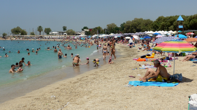 Θεσπρωτία: Γέμισαν κόσμο οι παραλίες της Θεσπρωτίας το πρώτο Σαββατοκύριακο του Καλοκαιριού