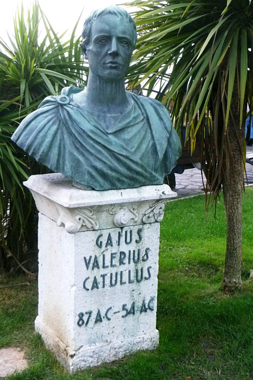 catulo poesia classica latina carmen sarcasmo caio valerio