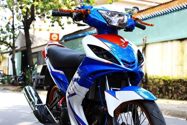 Sơn phối màu xe Exciter 2010 trắng - xanh - cam