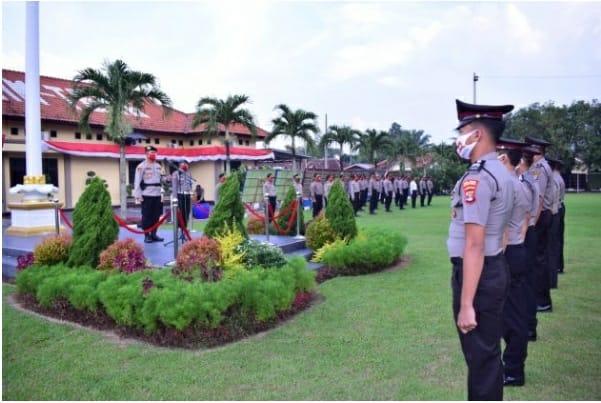 Kapolres Lampung Tengah Pimpin Upacara Korp Raport 55 Personil Naik Pangkat