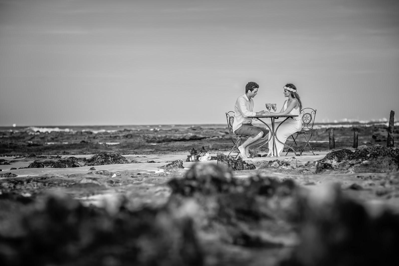 esession-praia-noivos-mesa