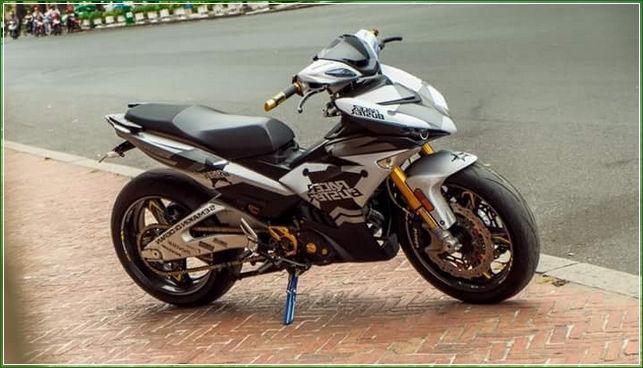 Tampak Samping Tip Modifikasi Yamaha Jupiter MX King Exciter Gaya Balap MOTO GP Sporti Keren Abis