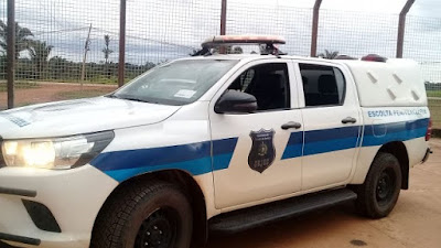 Tentativa de fuga: Durante escolta preso danifica porta de viatura