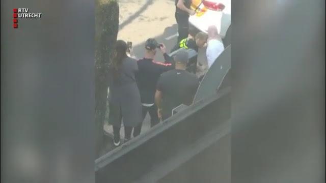 القصة الكاملة.. هل اعتدت الشرطة الهولندية على سيدة محجبة؟!