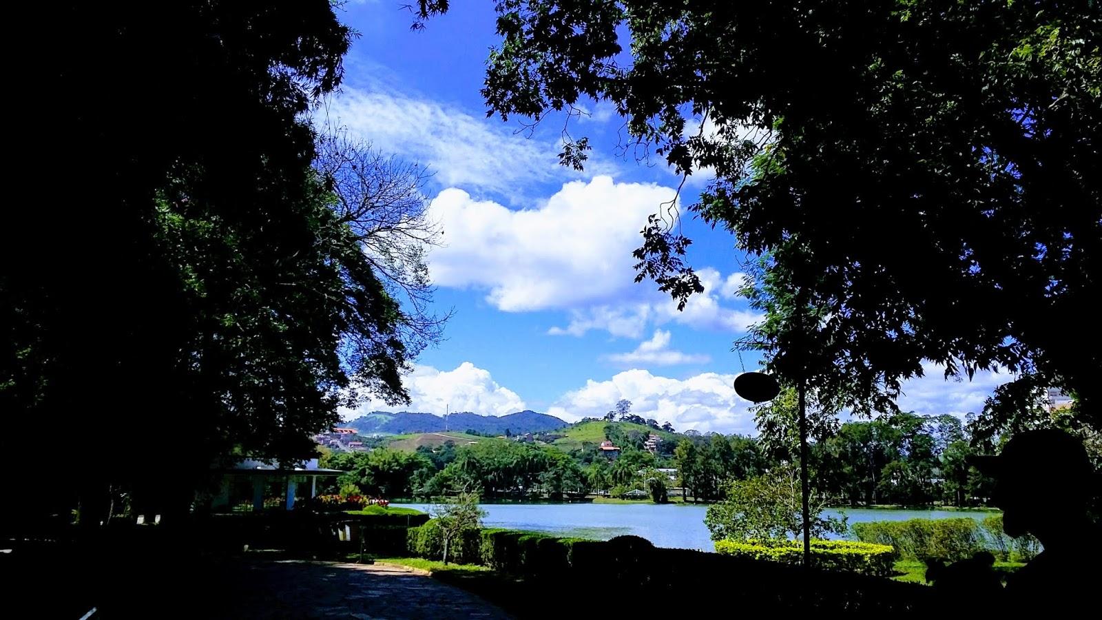 Paisagens do Parque com o lago