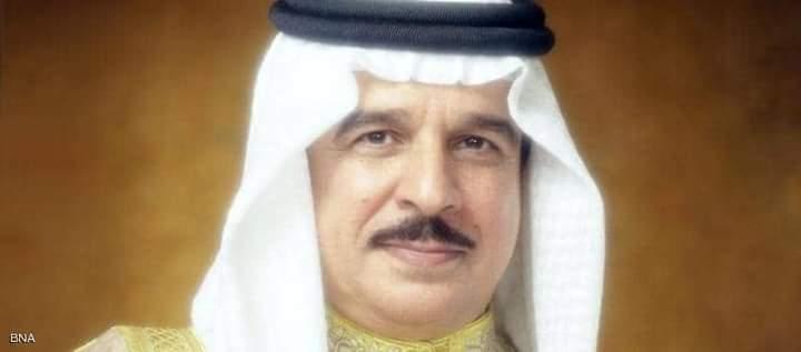 العاهل البحريني الملك حمد بن عيسى آل خليفة يتلقى التطعيم المضاد لفيروس كورونا