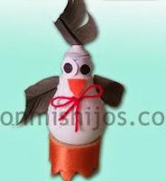 http://www.conmishijos.com/ocio-en-casa/manualidades-para-ninos/manualidades-g/manualidades-gallina-bombilla.html
